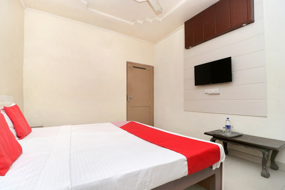OYO 24322 Hotel Gulshan