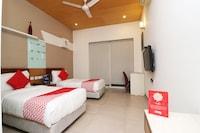 OYO 24323 Lakshmi Residency