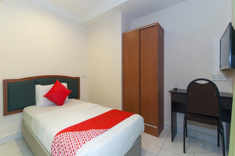 OYO 545 Hotel Sahara Inn -1