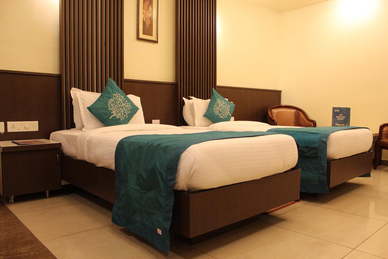 OYO 3185 Hotel Emerald -1