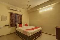 OYO Flagship 24392 Damodar Inn