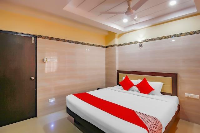 OYO 24397 Flagship 9 Star Hotel Shamshabad