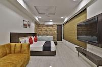 Capital O 24411 Hotel Privya Suite