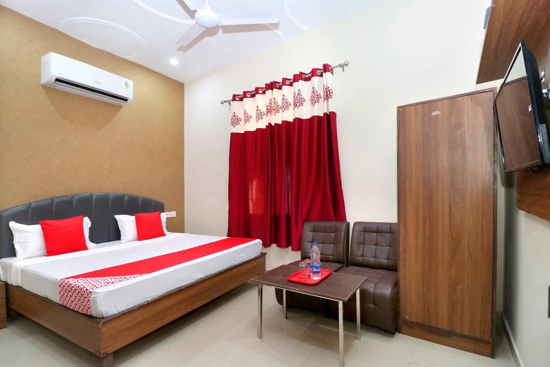 OYO 24417 Hotel Seven Inn -1