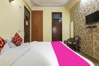 OYO 24421 Classic Hotel