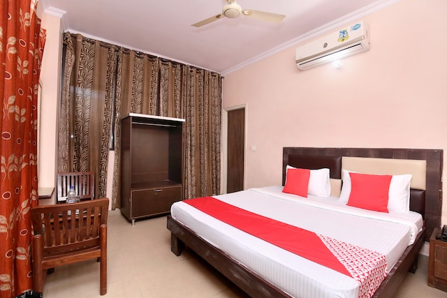 OYO 24423 Hotel Royal