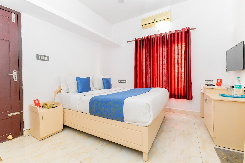 OYO 24433 New Kochi Residency -1