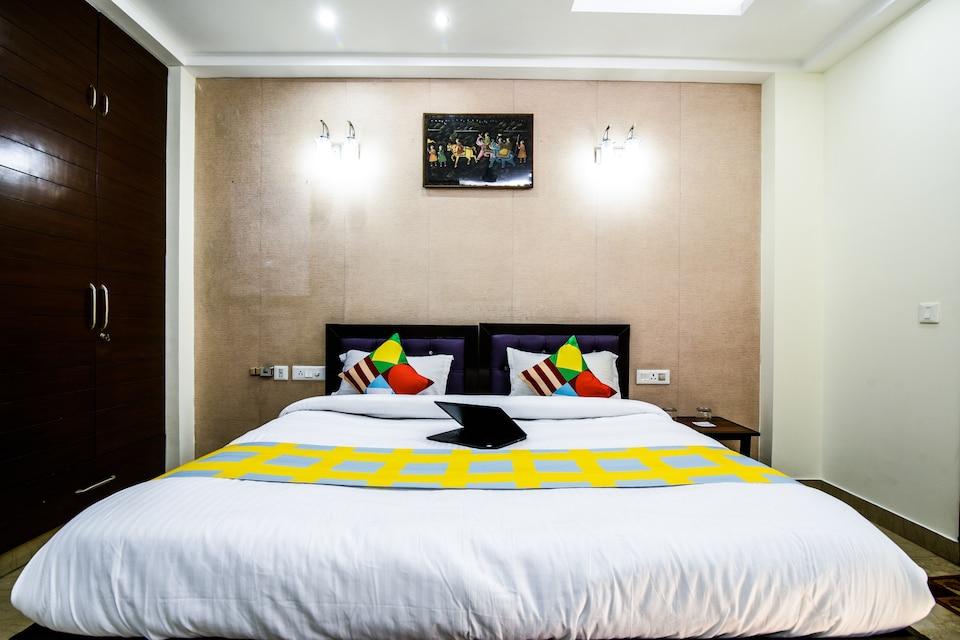 OYO Home Luxe 24439 Splendid 4BHK