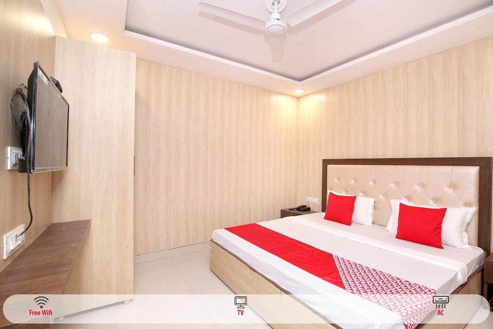 OYO 24501 Hotel Forever Inn