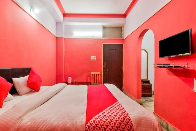 OYO 24518 Aastha Hotel