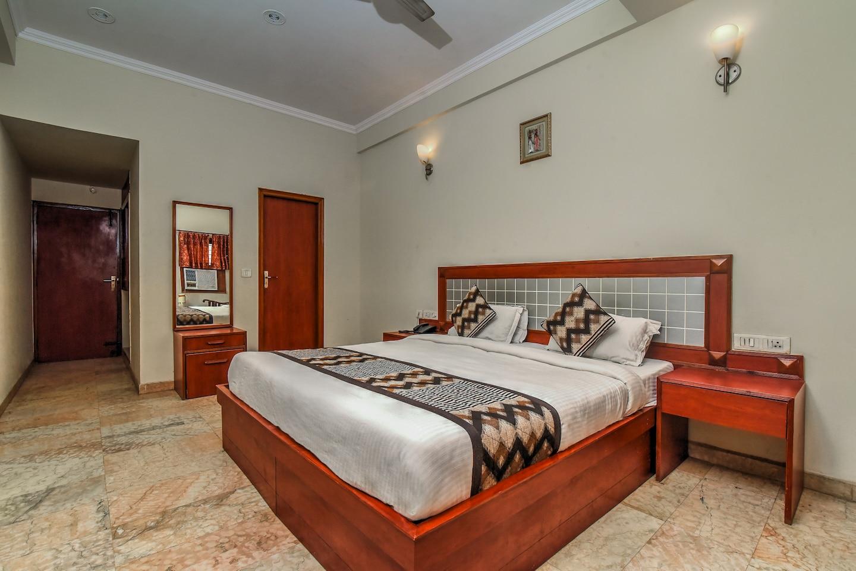 OYO 3198 Hotel Ashish Palace -1