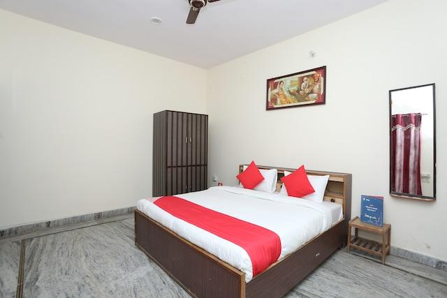 OYO 24529 Hotel Oasis