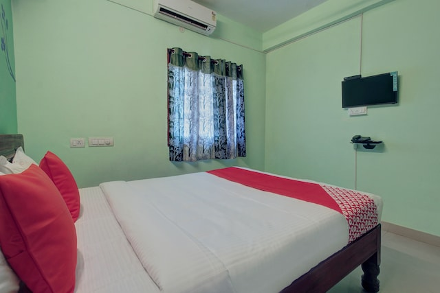 OYO 24540 Veera Amohaa Service Apartments