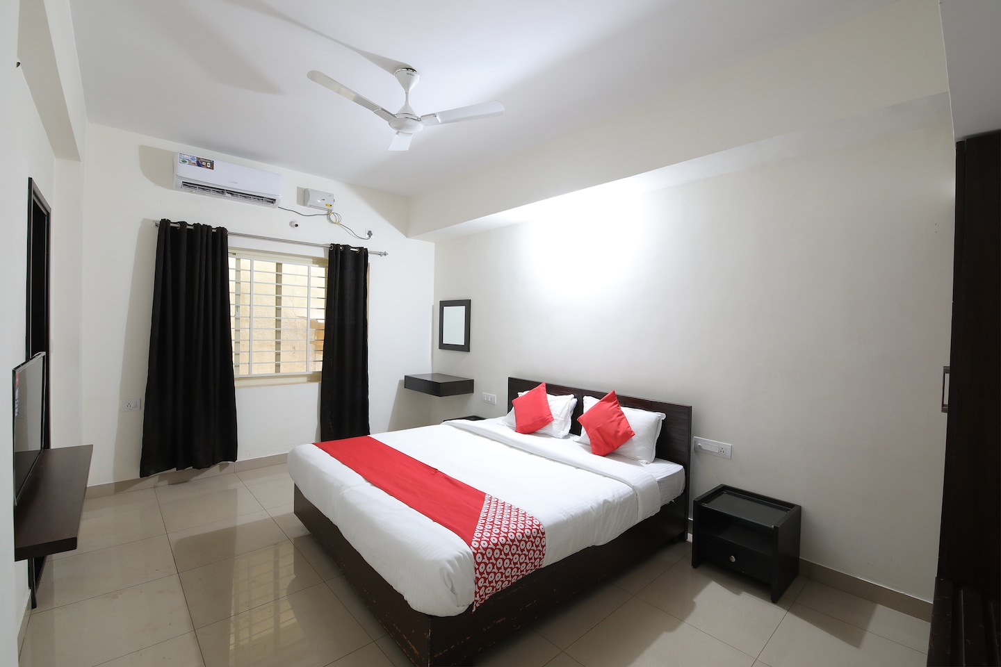 OYO 24546 Am Residency Serviced Apartments -1