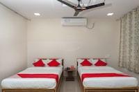OYO 24580 Sri Surya Guest Inn Suite