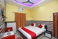 OYO 24593 Hotel Bachchan Palace