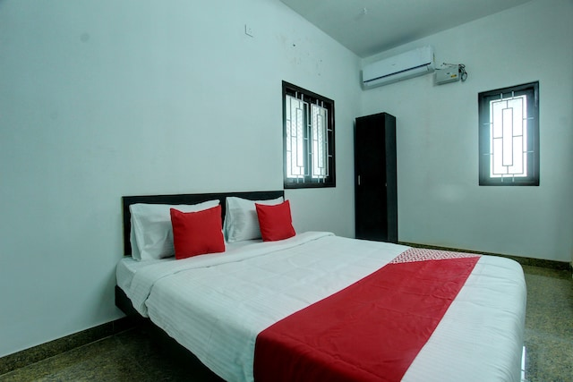OYO 24597 Dheeran Home Stay Deluxe