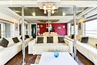 OYO 24611 Houseboat Water Cruise Sharing