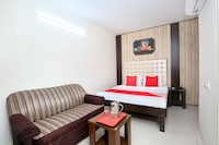 OYO 24630 Perfect Home Stay