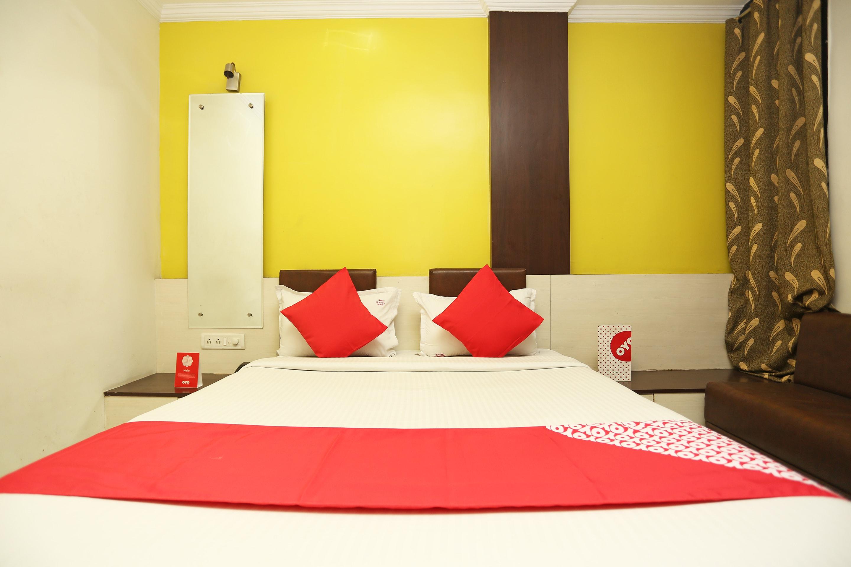OYO 24646 Hotel Gaurav Palace