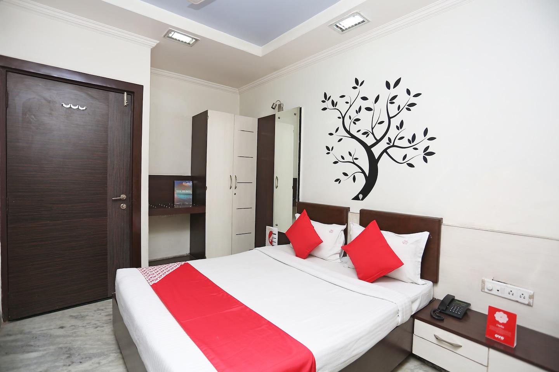 OYO 24646 Hotel Gaurav Palace -1