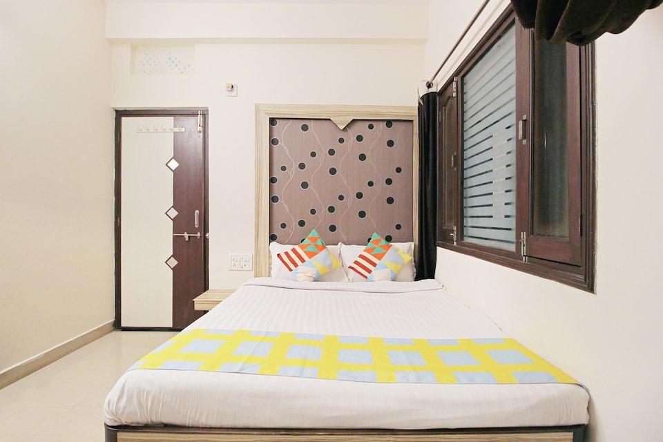 OYO Home 24665 Elegant Stay