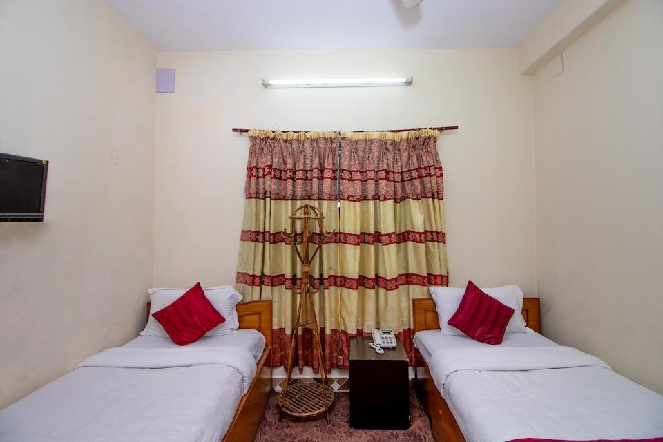 OYO 249 Hotel Royal Image