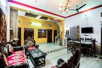 OYO Home 24687 Serene 4BHK Near Lake Pichola