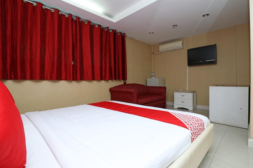 OYO 102 Diamond Residence Silom