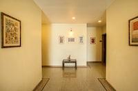 Capital O 578 Hotel Aurum Deluxe