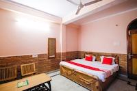 OYO 24753 Hotel Preet
