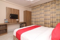 OYO 24754 Hotel Good Luck House