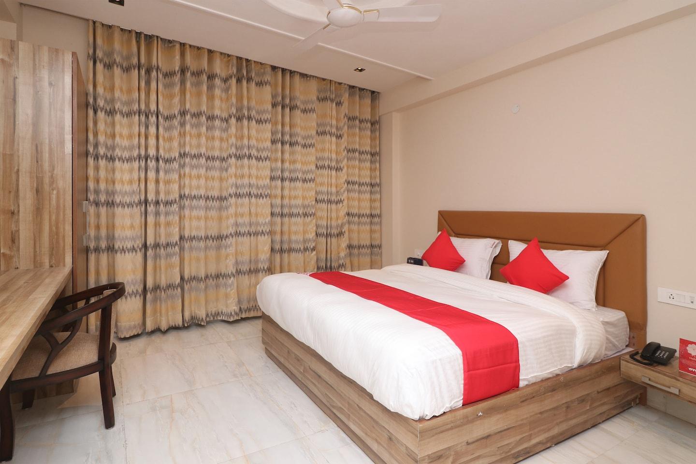OYO 24754 Hotel Good Luck House -1