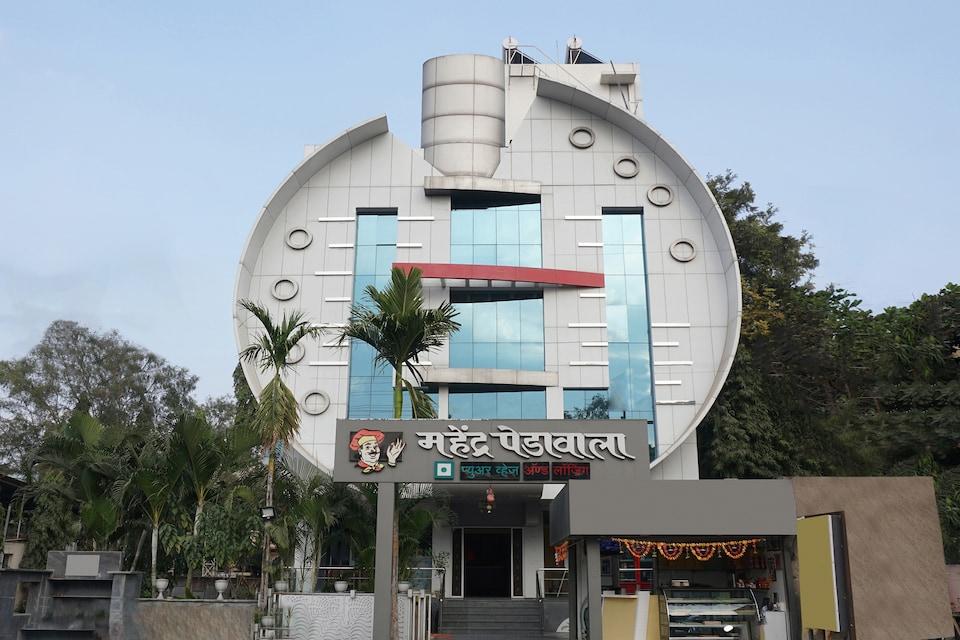 OYO 24755 Mahendra Pedawala