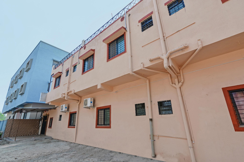 OYO 24756 Devi Residency