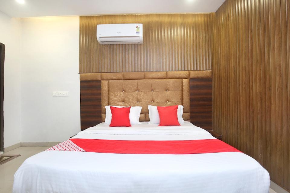 OYO 24778 Hotel 24