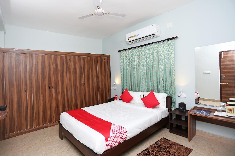 OYO 24789 Sidharth Residency -1