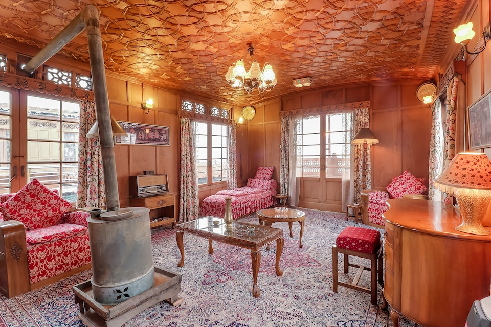 OYO 24812 Kashmir Houseboats By Ats-rooms