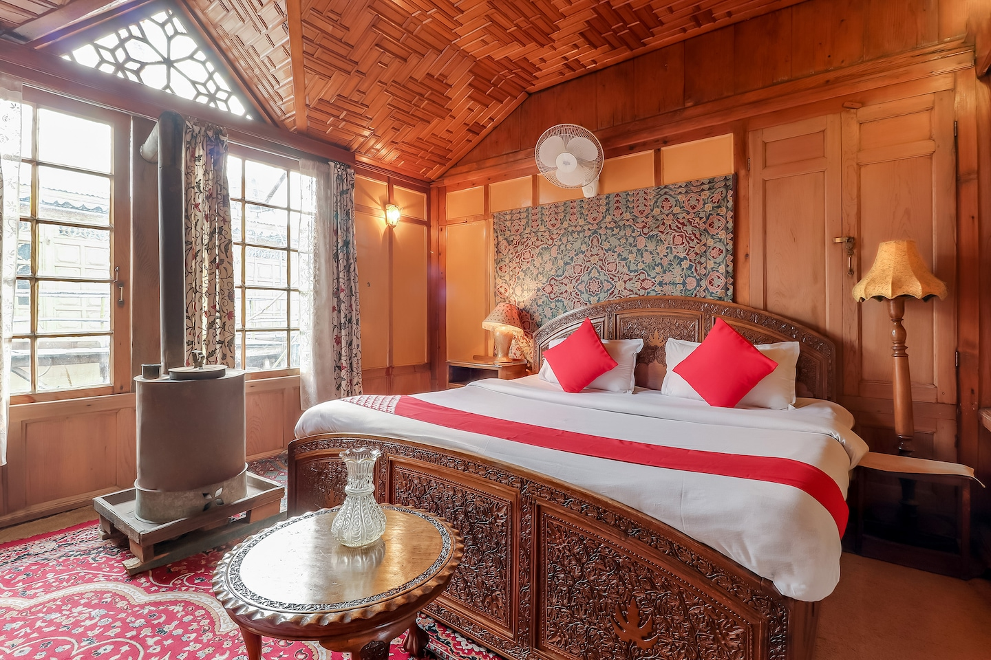 OYO 24812 Kashmir Houseboats By Ats-rooms -1