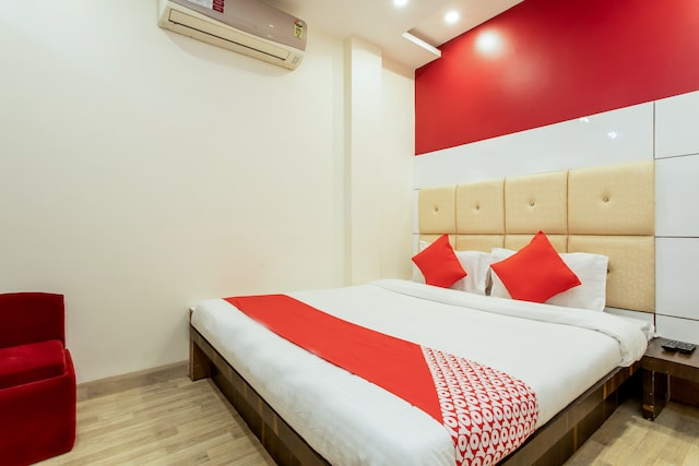 OYO 24822 Samarth Guest House