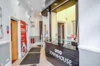OYO Townhouse New England Victoria