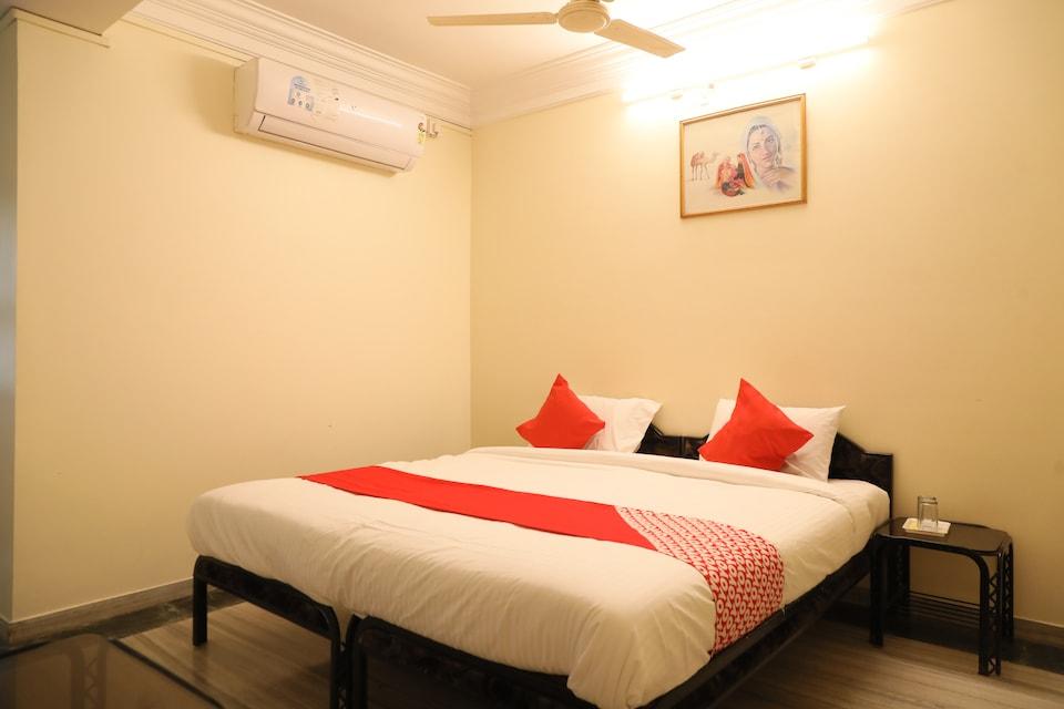 OYO 24837 Hotel Payal