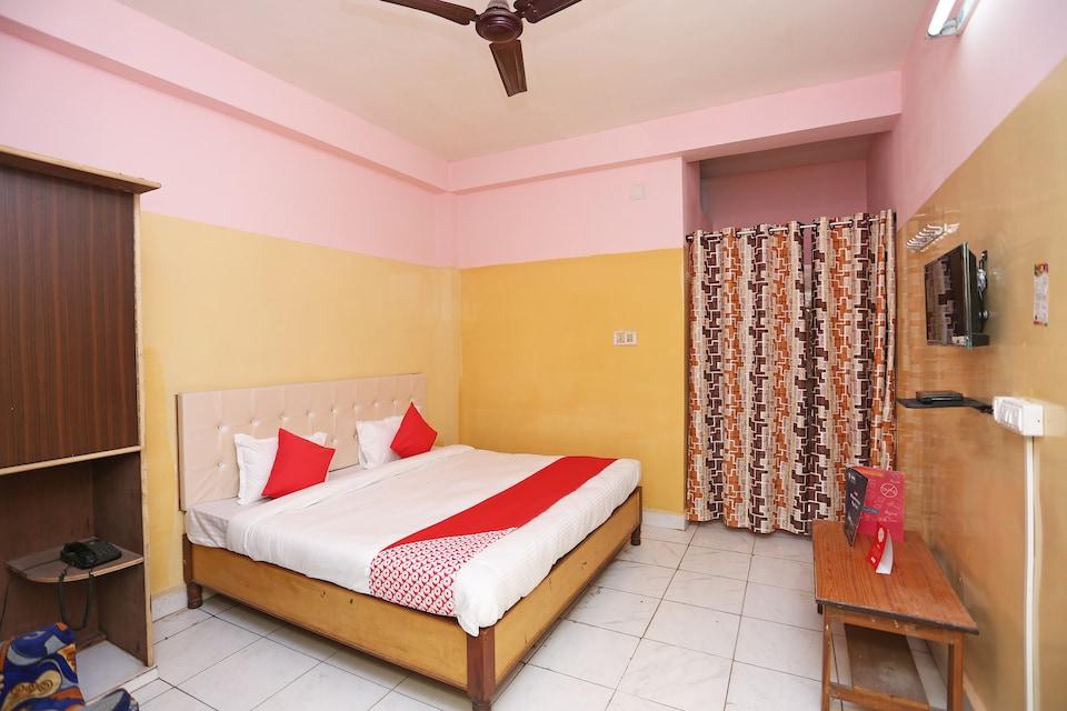 OYO 24845 Hotel Bhaba Lakshmi
