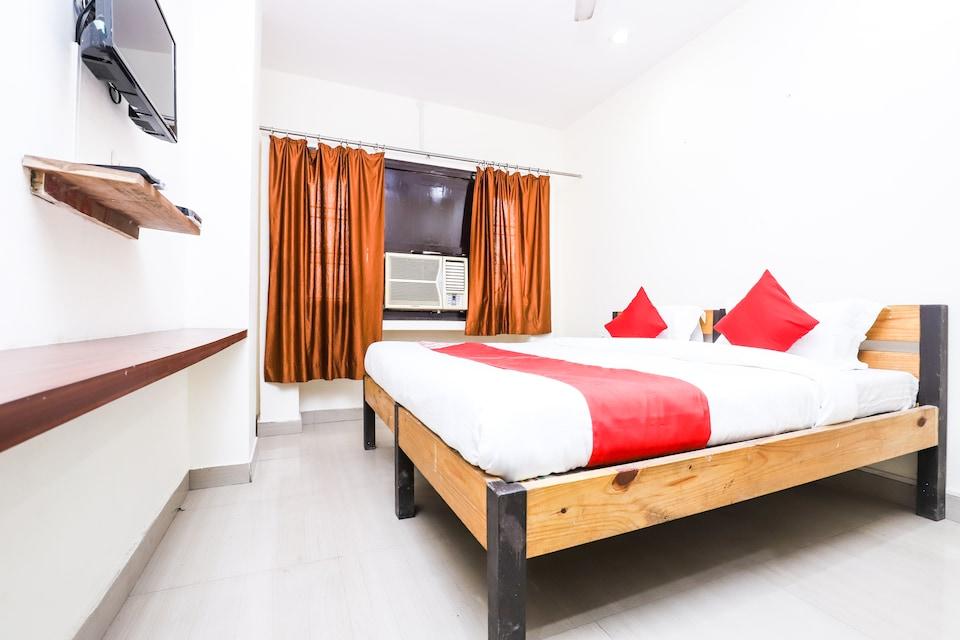 OYO 24852 Hotel Yuvraj