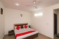 OYO 24878 Hotel Aicon Palace