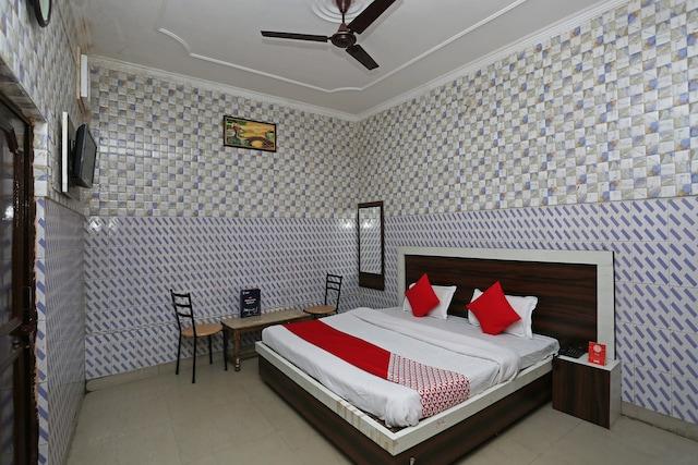 OYO 24893 Palak Lodge