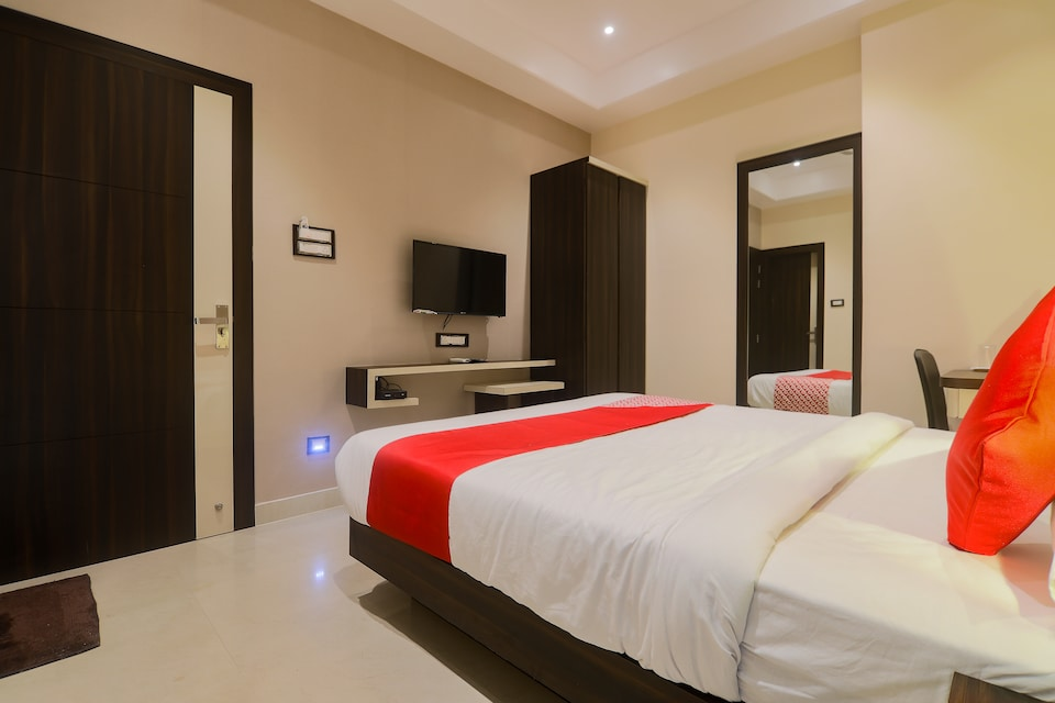 Capital O 24930 Aditya Residency