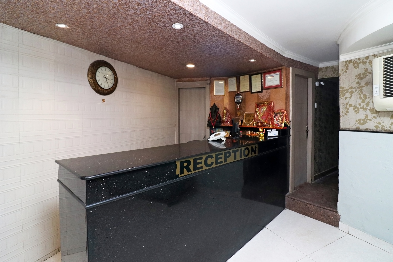OYO 24947 Hotel Metro Tower
