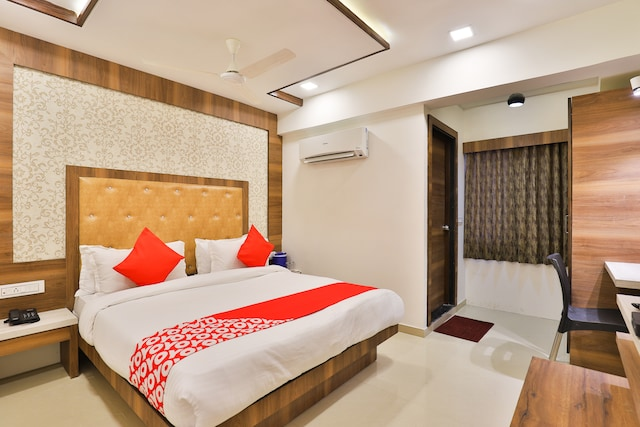 OYO 24950 Hotel Shree Balaji Residency