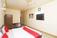 OYO 24951 Vaibhav Palace